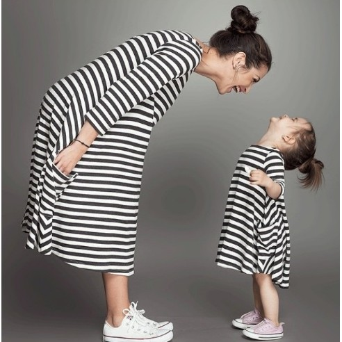 秋款親子裝母女裝女寶寶黑白條紋口袋長袖不規則裙襬棉質連身裙女童洋裝