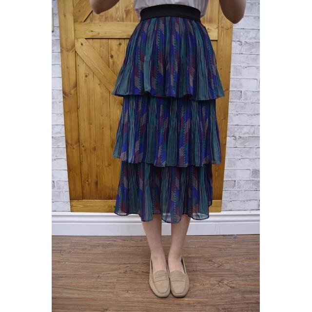正韓超好看超好搭,細百摺圖騰雪紡3層蛋糕長裙,腰圍鬆緊帶,黑,綠色~ $1980,連線價1