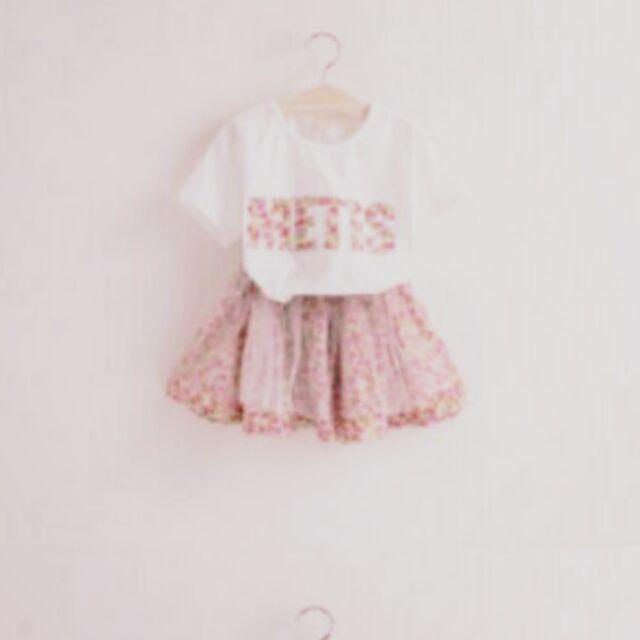 粉色~ 兒童短袖字母T 恤碎花網紗裙短裙兩件套裝