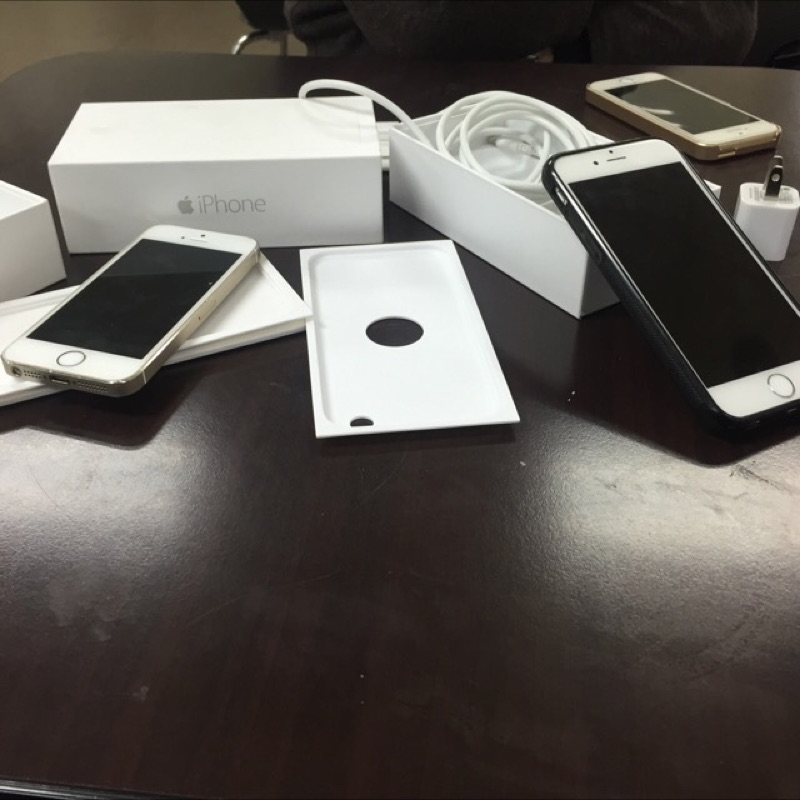 I phone6 64g 太空灰15500 I phone6 128g 金20000 I