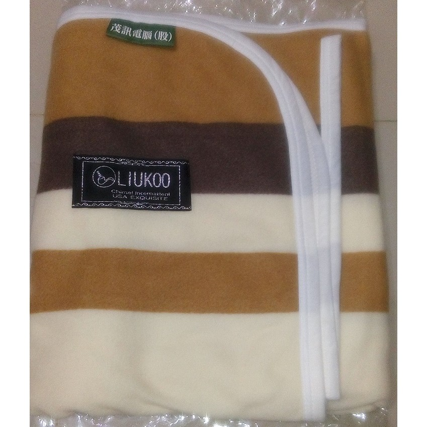 LIUKOO 煙斗針織刷毛毯淺褐條紋毯150x120 cm 茂訊四季毯毛毯保暖毯冷氣毯薄毯