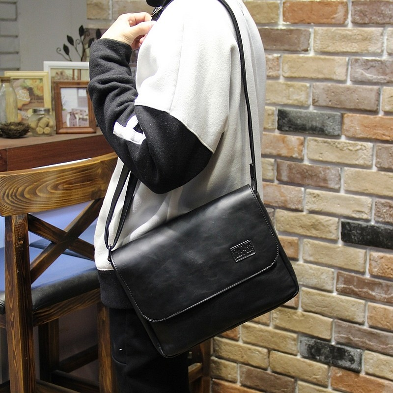 手提包潮流男士 斜挎包單肩包PU 皮背旅行包復古學生男包側背包肩背包公事包筆電包防水公事包