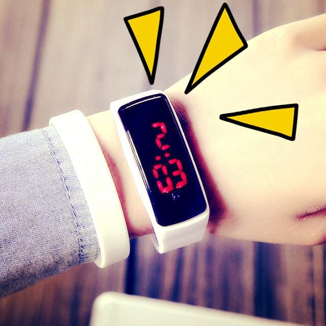 ~Paw 家~潮流 LED 學生手表觸控手環女孩防水情侶電子表兒童表男孩