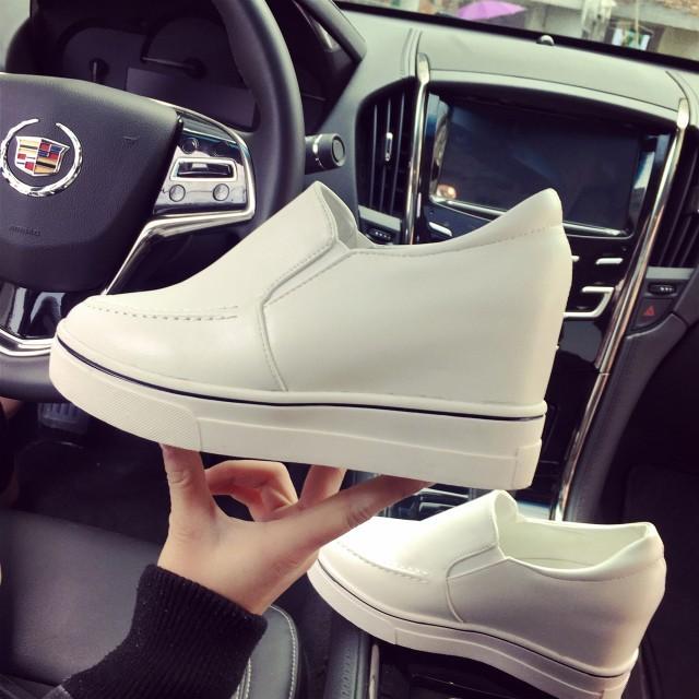 女人世界圓頭樂福鞋厚底坡跟內增高 女鞋一腳蹬單鞋潮鞋平底鞋球鞋 鞋慢跑鞋娃娃鞋豆豆鞋休閒鞋