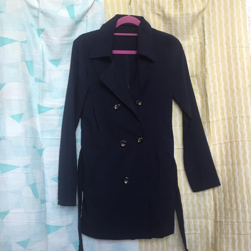 Joyceshop 綁帶雙排釦挺版風衣外套