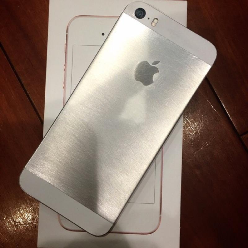 iPhone Se 64 換過殼