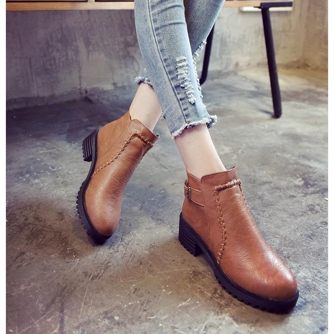 英倫風學生款黑色圓頭中跟馬丁靴踝靴女鞋厚底粗跟短筒短靴騎士靴