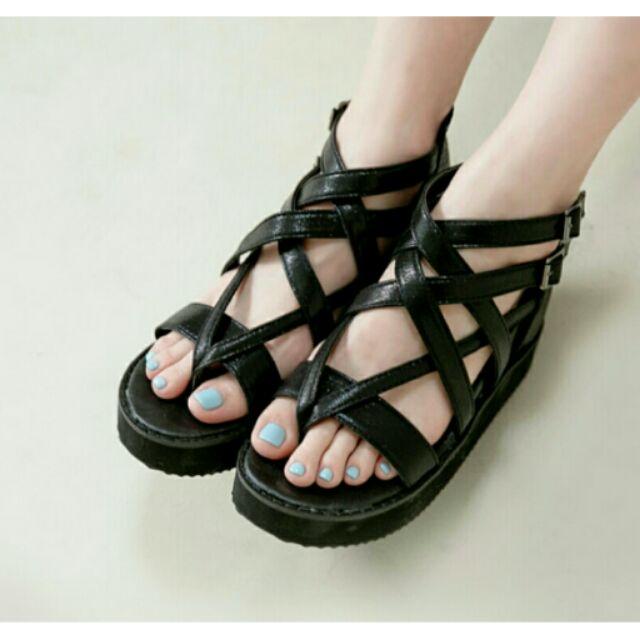 優雅緞面坡跟厚底羅馬涼鞋