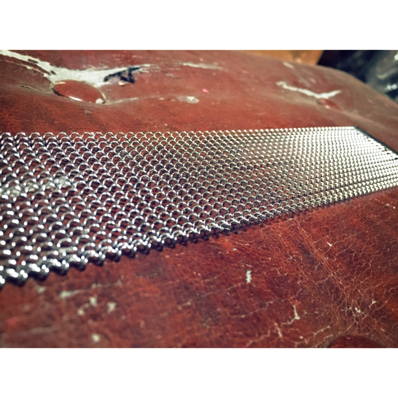 潔特力樂器  .高檔14 吋不鏽白銀20 條小鼓響線.絕不歪斜扭曲不會生鏽 於高檔木箱鼓響