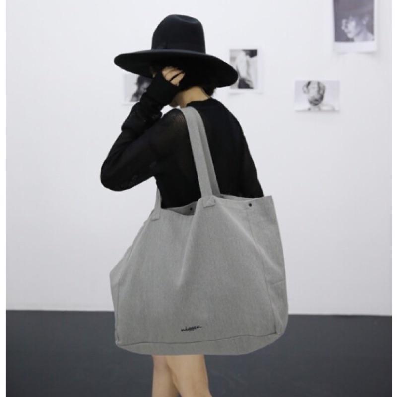 ~麻麻將~~ ~2017 年  簡約隨性單肩帆布大包包超大容量帆布 袋