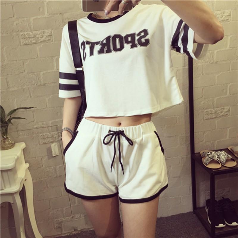 春夏短款圓領短袖t 卹女學生寬鬆顯瘦短褲休閒 服兩件套裝