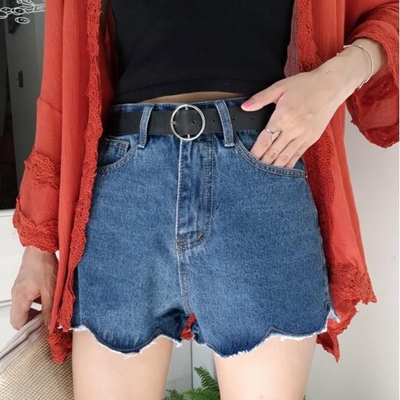 款 價不規則波浪邊高腰顯瘦牛仔短褲百搭寬鬆熱褲~深藍淺藍白灰綠四色~Trend Fitch