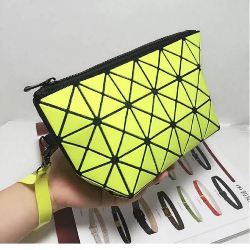 洋洋的寶物盒三宅一生同款幾何菱形包化妝包手提包小包變形 區