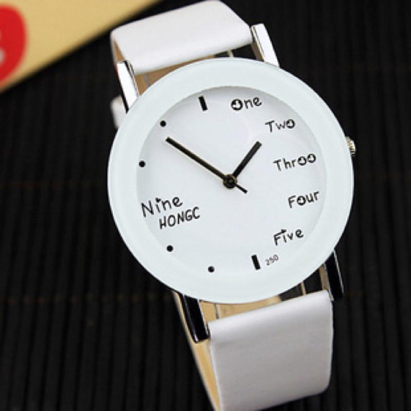 520 情侶款二件9 折只限一天芊飾店新色出來了超夯學生情侶手錶簡約英文字母黑白任配