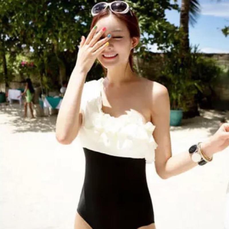 出口韓國 荷葉邊撞色泳裝性感一字領斜肩修身比基尼連身游泳衣