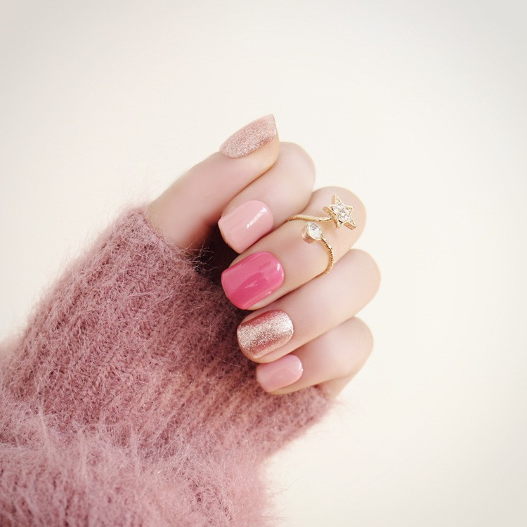NC529 最喜愛的鑽石粉色美甲高 光療跳色假指甲24 片盒裝貼片