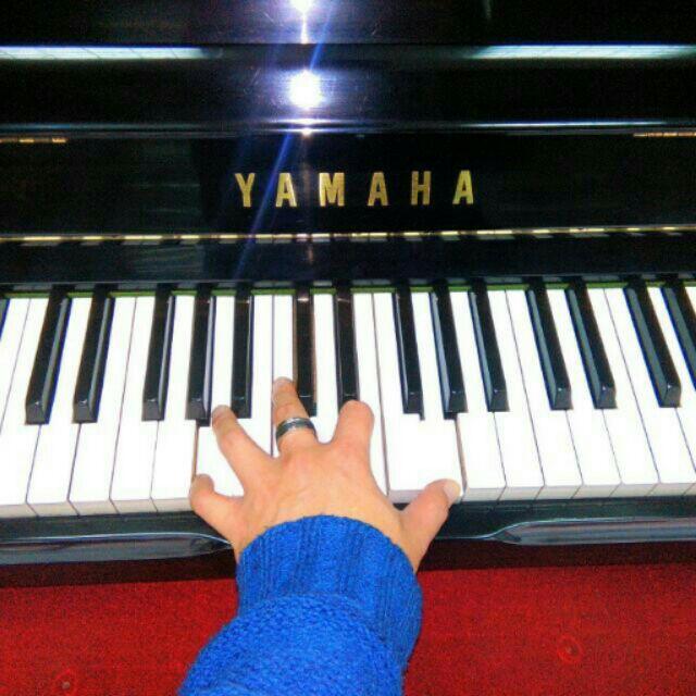 三號直立鋼琴紅色德國梅耶貝爾感謝啊咪珮瑜予真老師親自 鋼琴中古鋼琴新店木柵買賣鋼琴kawa