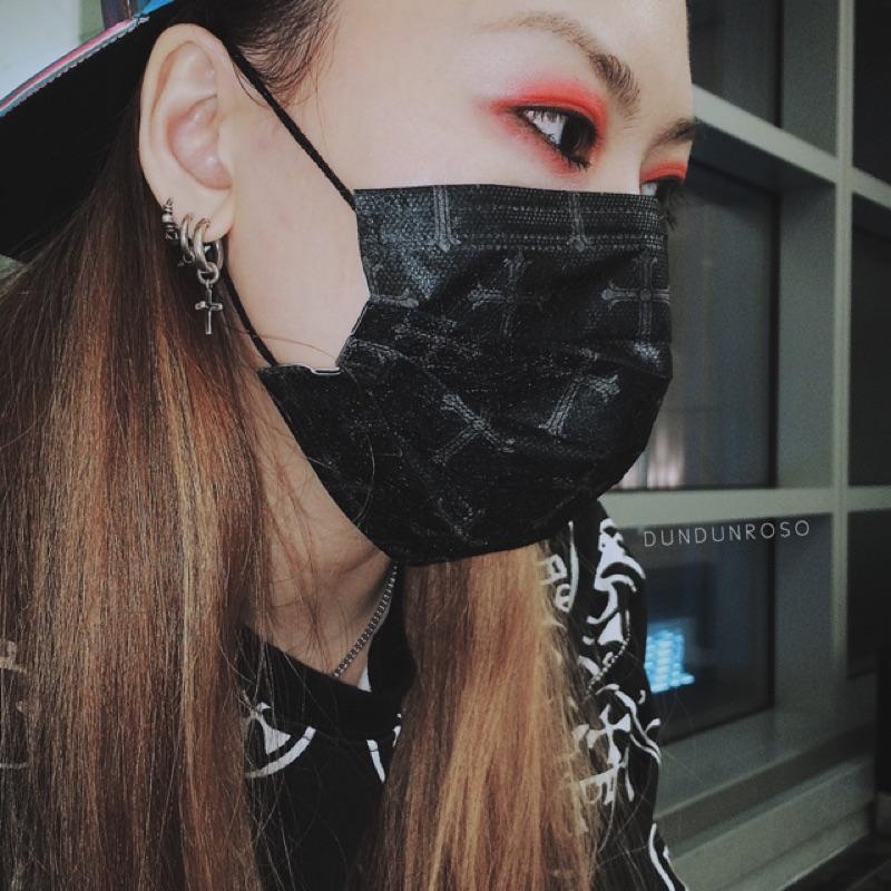 歌德十字架黑色口罩5 片價拋棄式口罩 暗黑搖滾明星龐克街頭立即出貨