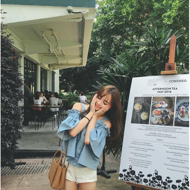 小青媽咪 韓國2017 雜誌 氣質女神款甜美風藍白條紋彈性露肩一字領束口袖上衣一字領上衣蕾