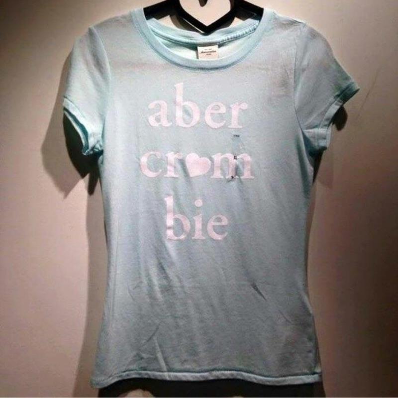Abercrombie Fitch 女款短袖字母Tee Kids