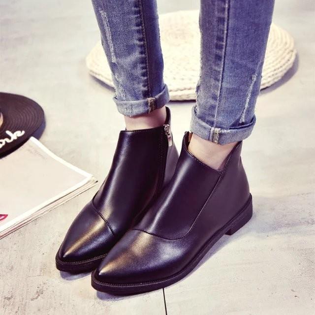 馬丁靴潮女短靴英倫風低跟復古尖頭單靴春秋百搭粗跟平底 裸靴