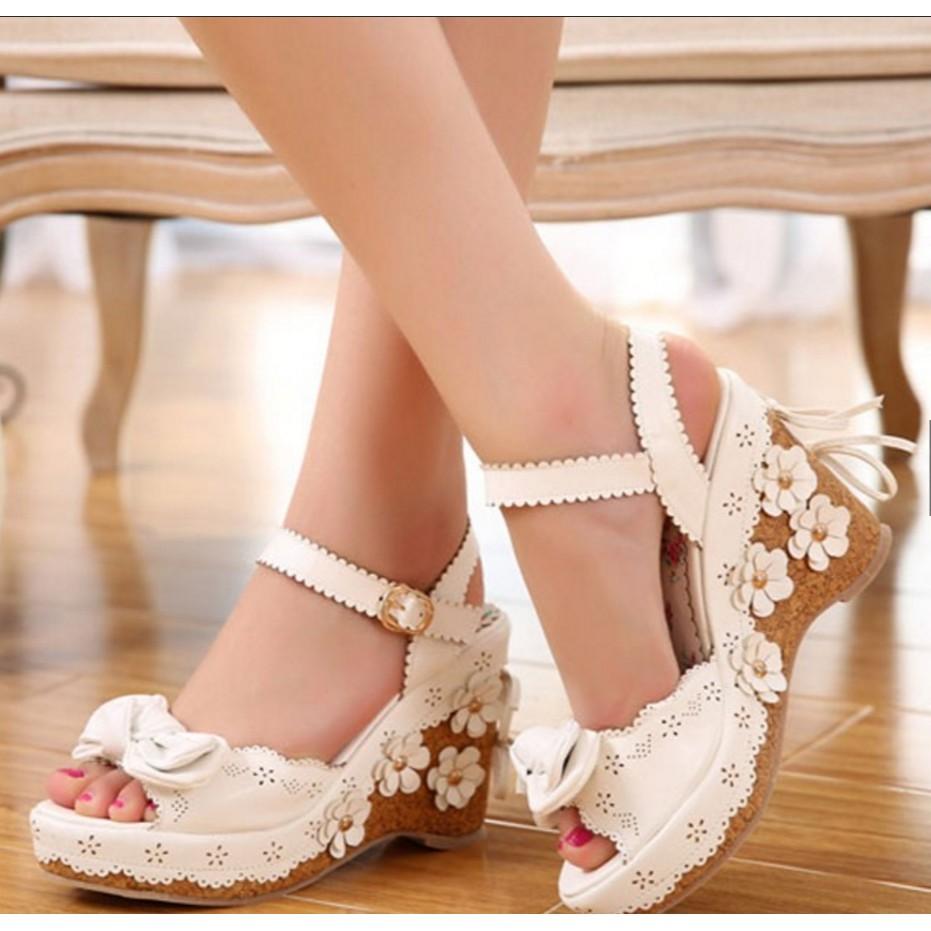 32 40 號2 色夏日楔形厚底小花朵蝴蝶結鏤空高跟涼鞋甜美可愛花邊荷葉邊後綁帶裝飾 蘿莉
