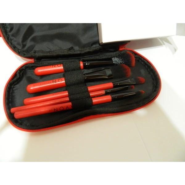 櫻桃丸子~AVON 山羊毛五件式刷具組附刷具包只要150 元