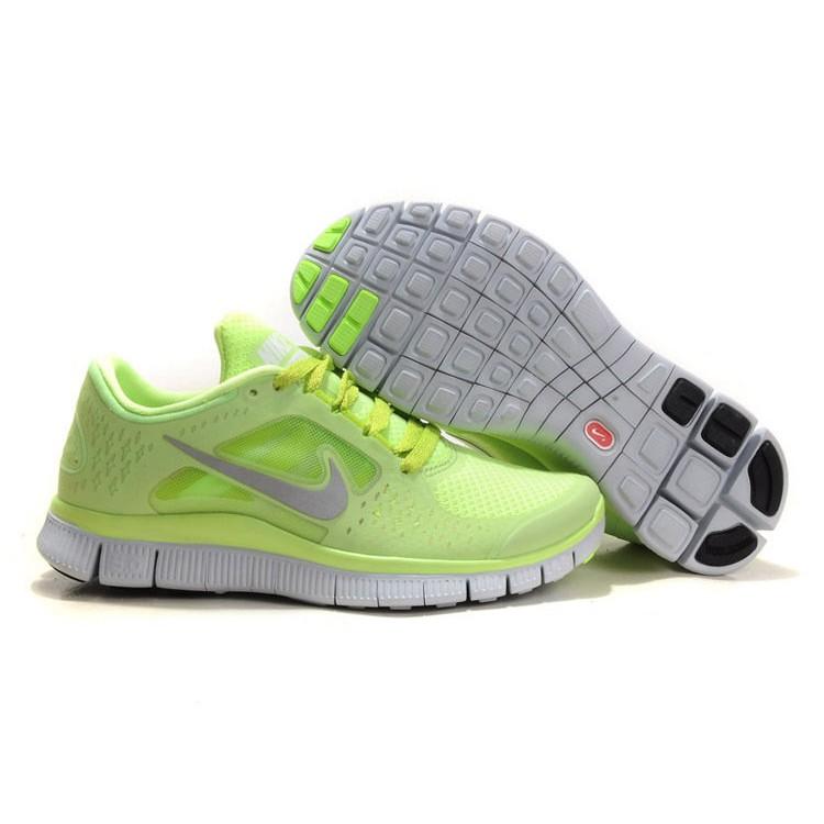 NIKE 赤足5 0 輕量慢跑鞋螢光綠36 40 女款
