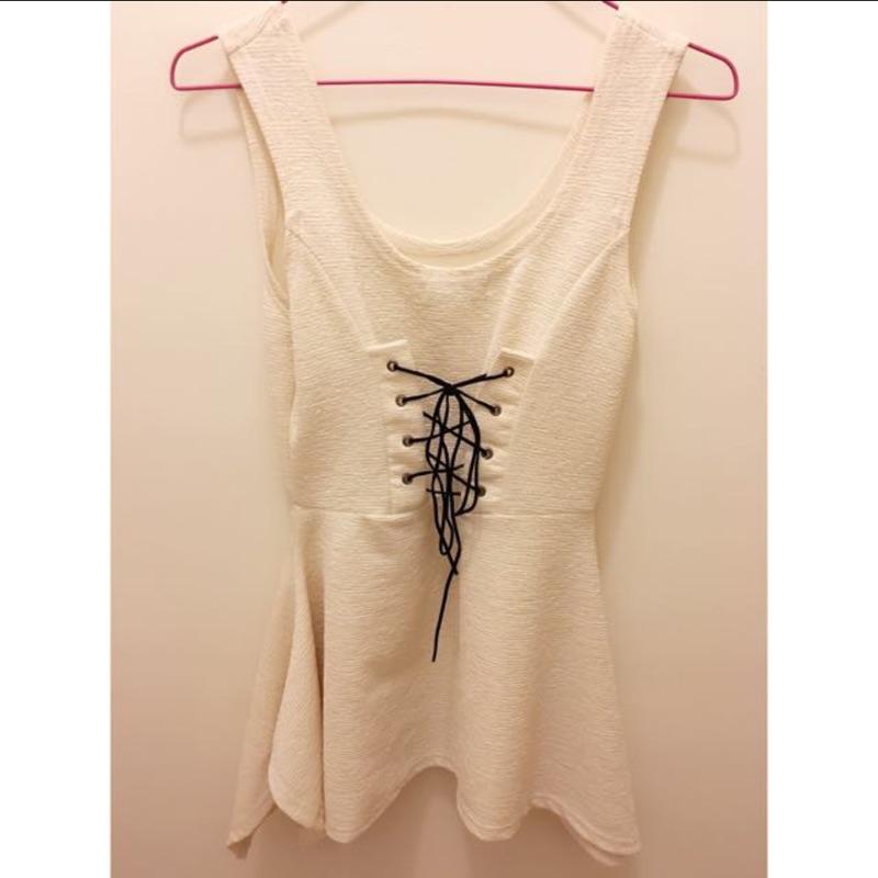 米白色無袖馬甲式綁帶不規則裙擺短洋裝(兩面穿)