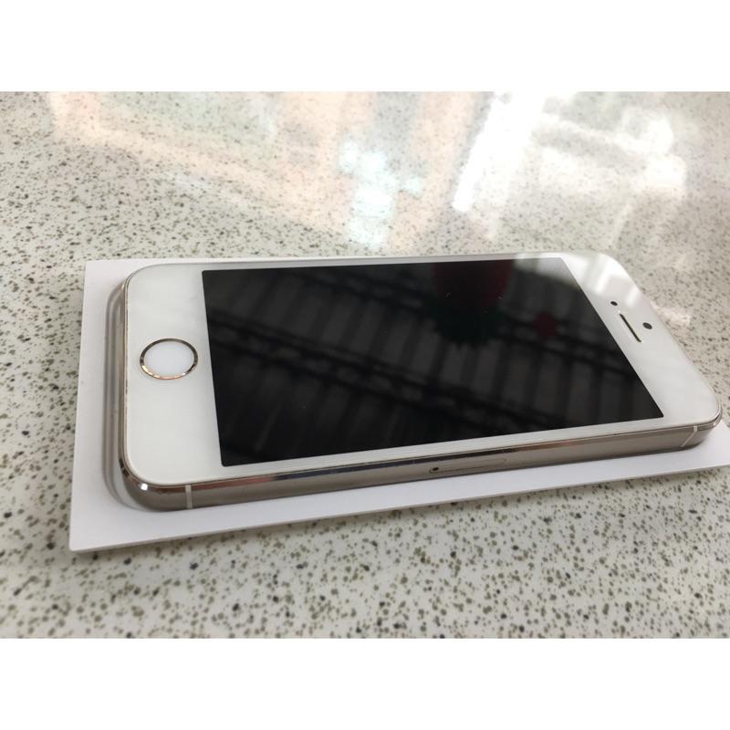 Apple iPhone 5S 16G 金色蘋果智慧型手機