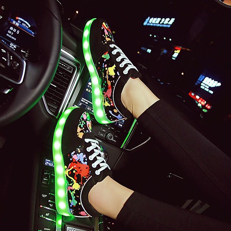 ~小人國衣鋪~USB 充電七彩發光鞋夜光鞋LED 燈光潮男女鞋系帶 情侶板鞋熒光鞋