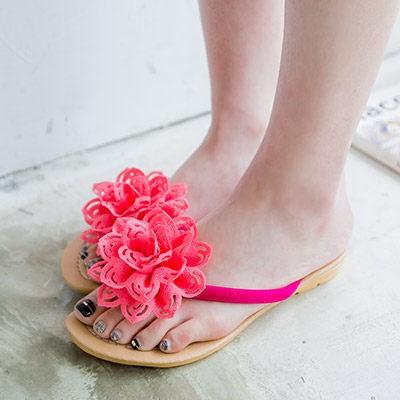 山茶花人字拖鞋女立體花朵沙灘女鞋平底夾趾涼拖鞋
