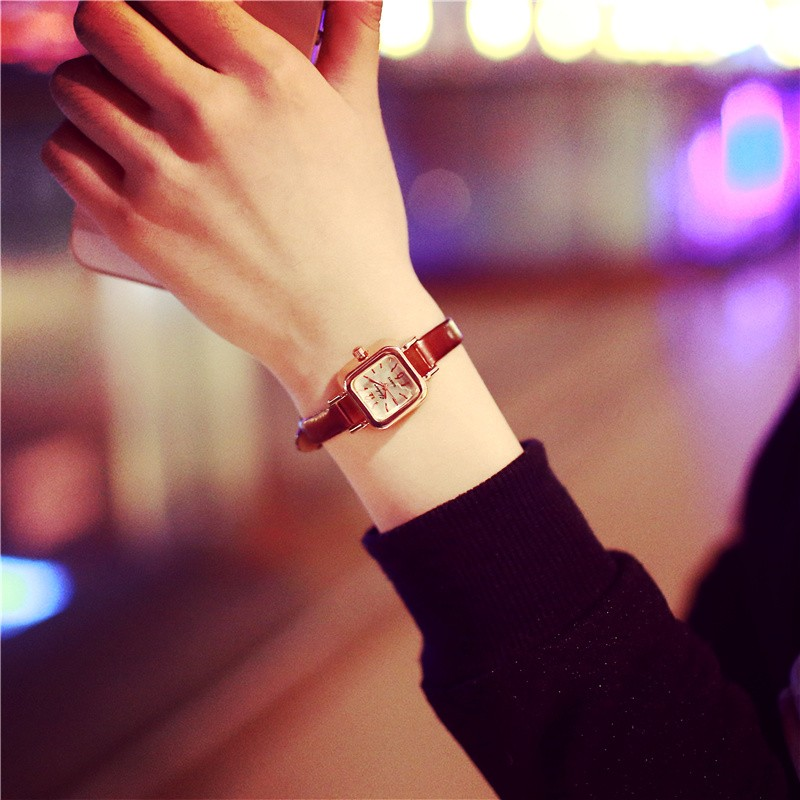 獨一無二๑專營店๑韓國東大門簡約復古方形學生細皮帶鏈小巧表盤手表 百搭女表潮