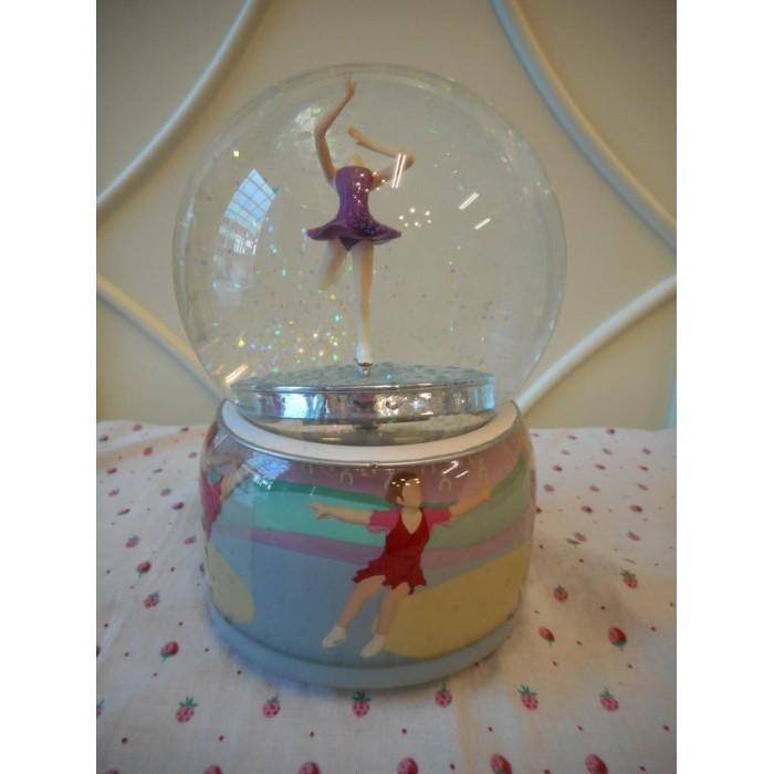 凡爾賽  冰上芭蕾水晶球 旋轉音樂盒