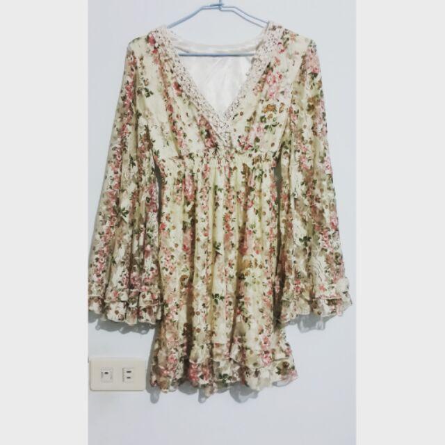 降價米白色小碎花V 領洋裝