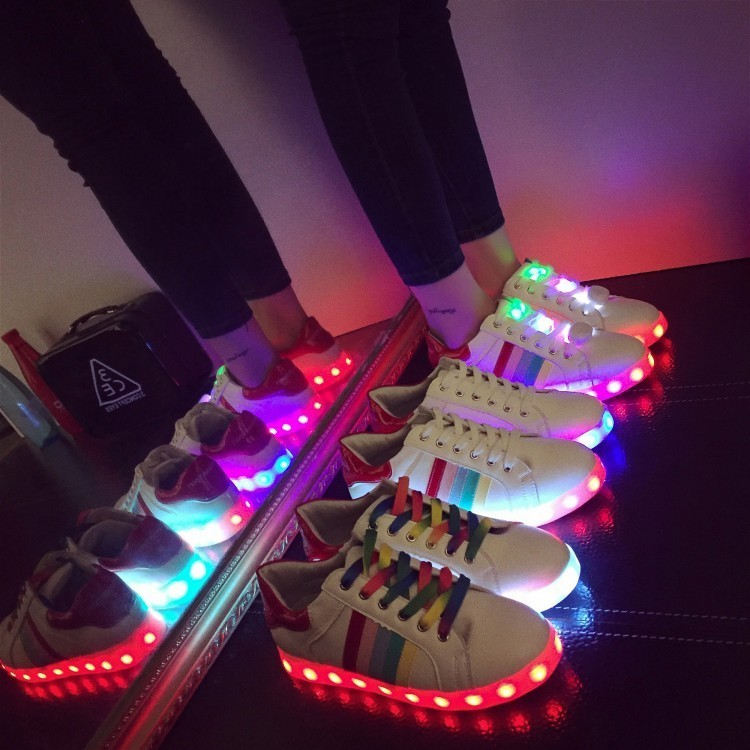 七彩燈發光鞋女USB 充電LED 燈亮燈鞋夜光鞋 女學生休閒板鞋男鞋女鞋休閒鞋 鞋跑步鞋網
