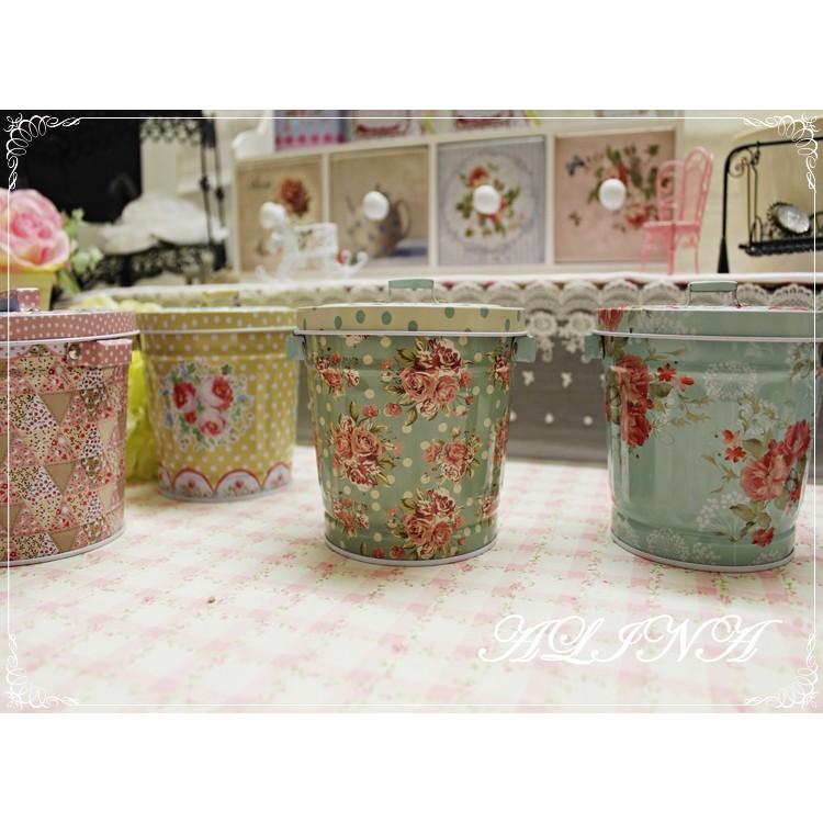 ALINA 居家桌上裝飾田園鄉村風綠色玫瑰花水玉點點掀蓋式鐵盒收納盒置物盒小垃圾桶店家布置