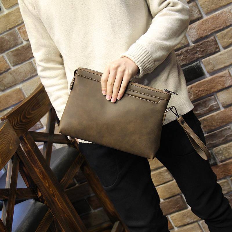 男士瘋馬皮手包A4 信封包薄款商務男包手拿包大容量軟皮手抓包