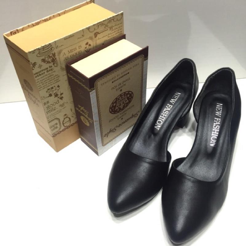 黑225 、23 號零碼 300 (哈韓 單品)簡約百搭復古素面皮質粗跟尖頭跟鞋款售價45