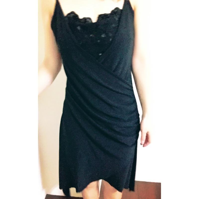 黑色細肩帶長洋裝魚尾裙擺