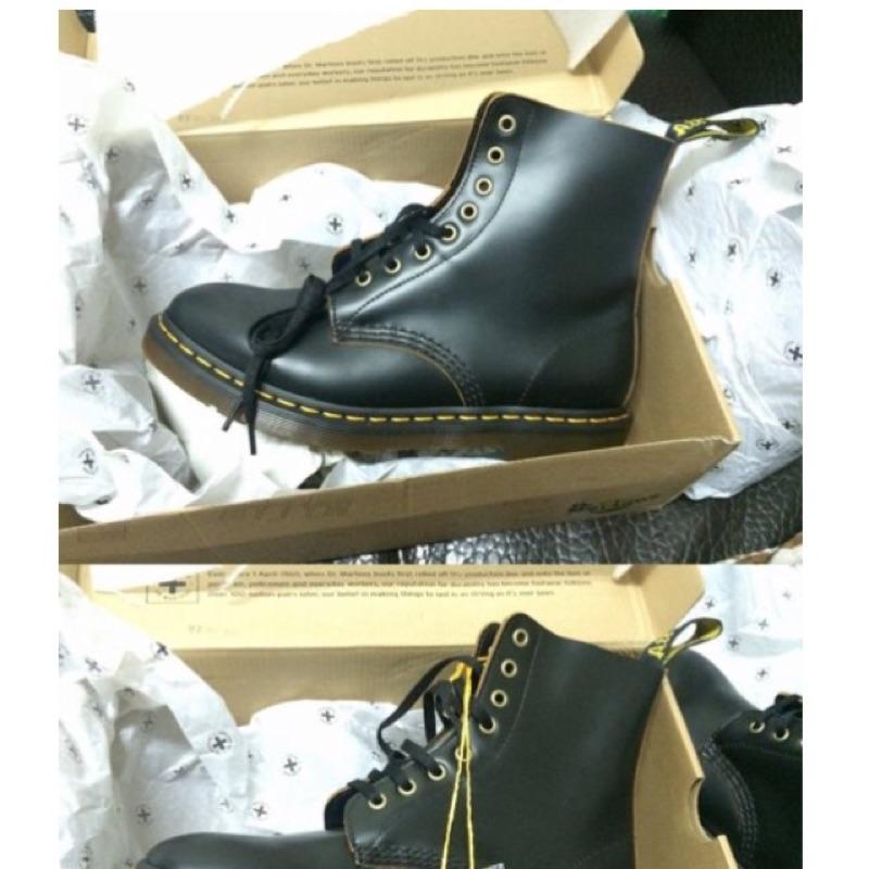 正品 英國Dr Martens 國外帶回只有一雙 8 孔馬汀靴黑色男版可面交timberl