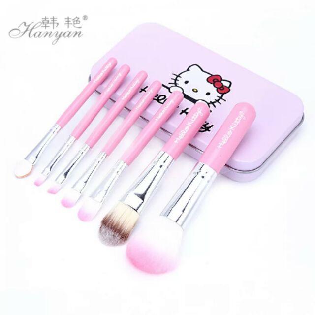 Hello Kitty 化裝刷立體凱蒂貓鐵盒粉色化妝刷具七件組