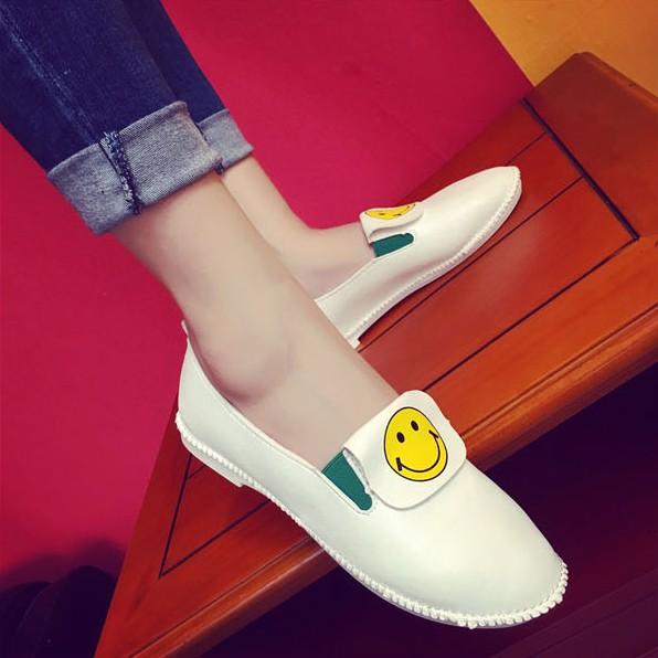 新品 可愛笑臉小白鞋 白色平底樂福鞋低幫套腳懶人鞋休閒女單鞋