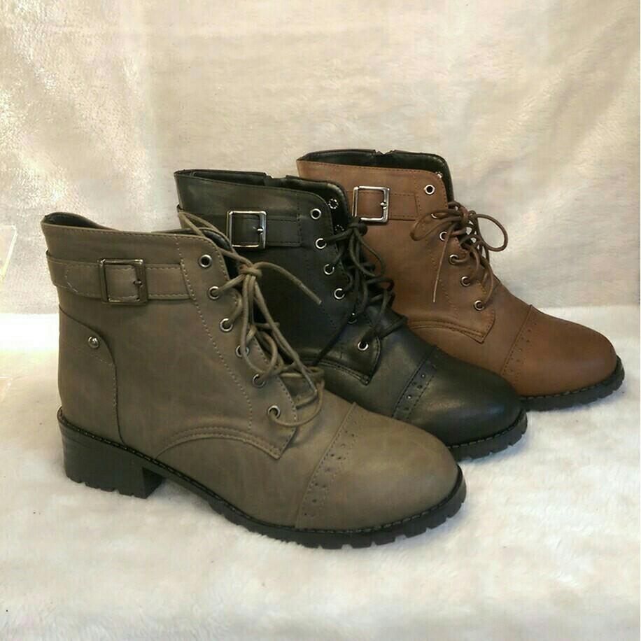 短靴最後降價 ❤️ 金屬扣飾拉鍊低跟黑色咖色綠色