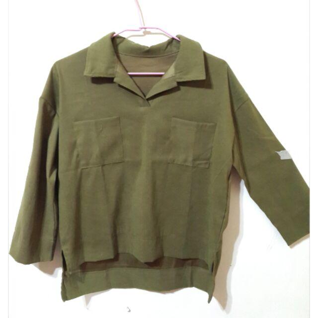 墨綠滑質前短後長側開叉長袖清涼襯衫