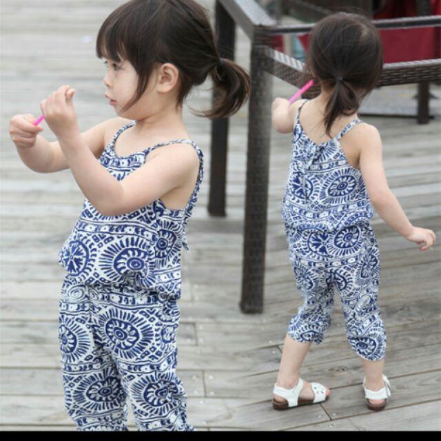 [ ] 女童休閒寬鬆細肩帶上衣哈倫褲(深藍色)