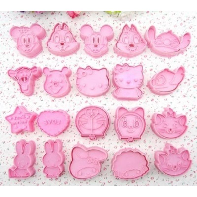 幸運毛超口愛~DIY 餅乾模模具9 1 共20 個史迪奇、小熊維尼、凱蒂貓新春伴手禮!