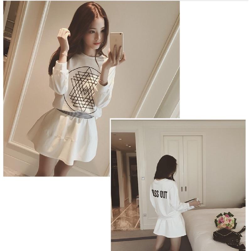 抽象圖案字母印花T 短裙休閒套裝 修身顯瘦款顏色:黑色白色