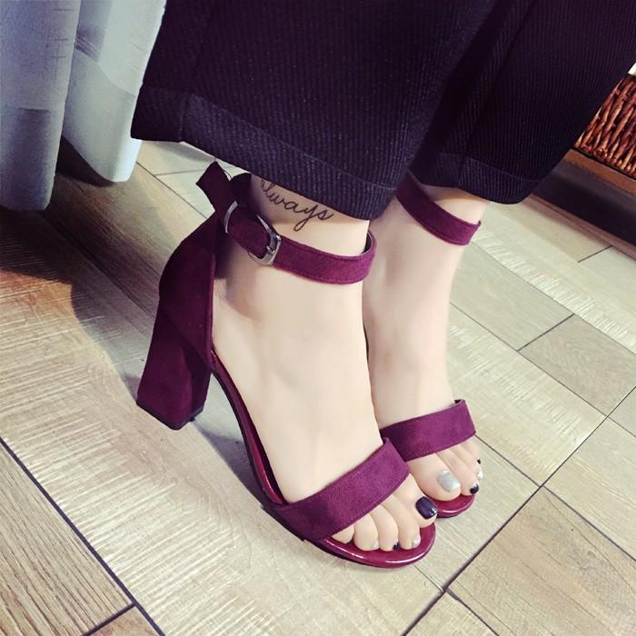 後街五號 鞋館 潮歐洲站羅馬鞋一字扣涼鞋女粗跟中空高跟鞋露趾性感