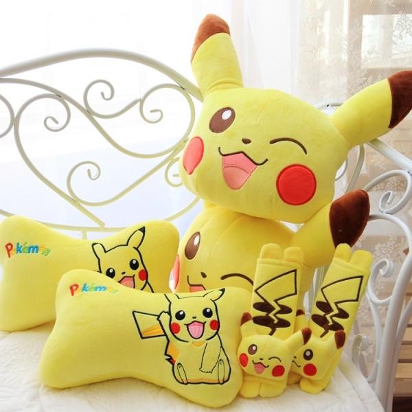 ~ ~寶可夢Pokemon 神奇寶貝皮卡丘卡通毛絨汽車頭枕骨頭枕安全帶套靠枕靠墊